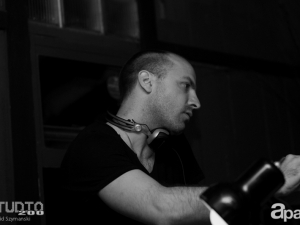 06-27-13-john-lagora-dela-studio-200-82