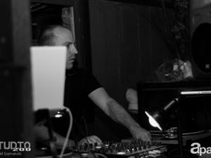 06-27-13-john-lagora-dela-studio-200-83