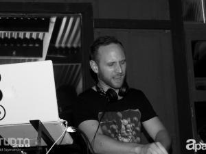 06-27-13-john-lagora-dela-studio-200-90