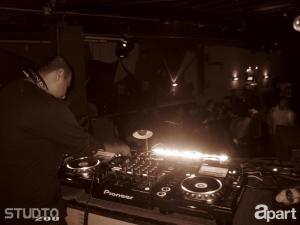 09-26-13-dino-g-studio-200-07